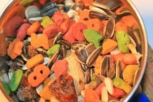 Multi-coloured pellets